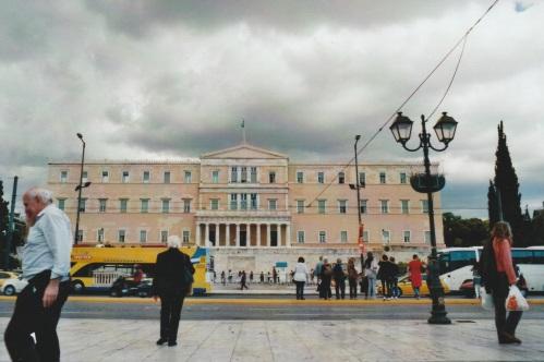 Athen, am Syntagma, das Parlamentsgebäude